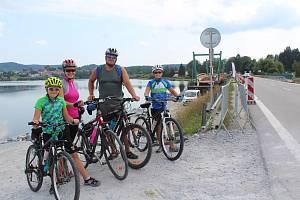Chytilovi z Baště u Prahy se už těší, až bude cyklostezka hotová.