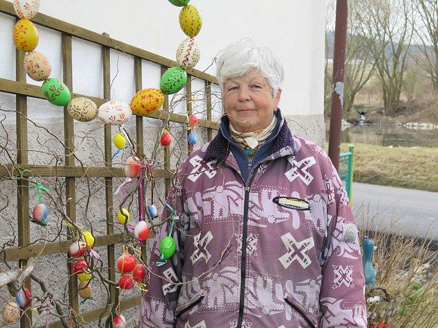 Velikonoční výzdoba domu Marie Michálkové.
