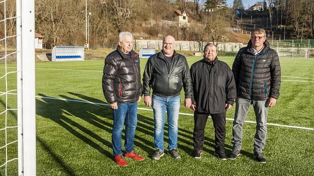 Českokrumlovský FK Slavoj se dočkal rekonstrukce hřiště s umělým povrchem.