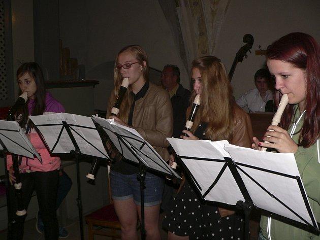 Koncert kaplické zušky v kostele sv. Petra a Pavla.