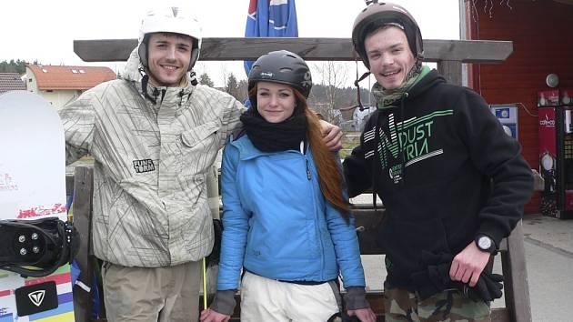 Poslední den lyžařské sezony ve ski areálu Lipno.
