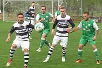 I.B třída (skupina A) – 20. kolo: FK Spartak Kaplice (bíločerné dresy) – FK Boršov nad Vltavou 2:0 (1:0).