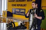 Dobrovolní hasiči se školili ohledně dýchací techniky.