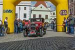 Účastníky Křivonosky mohli v sobotu vidět v běžném provozu řidiči na Objížďkové silnici v Českém Krumlově.