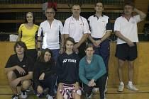 Křemežská výprava (nahoře zleva Motejlová, V. Koudelka, Holeček, Kovář a Ma. Koudelka, dole zleva Janda, Vančurová, Beran a Weberová) napsala pěknou tečku za rokem 2012.