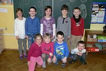 Ve třídě jich je hodně. Prvňáčků je ale jenom pár.
