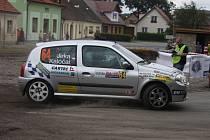 Milana Jirku s Jaroslavem Kaločaiem připravil o medailové umístění prasklý silentblok převodovky na předposlední rychlostní zkoušce.