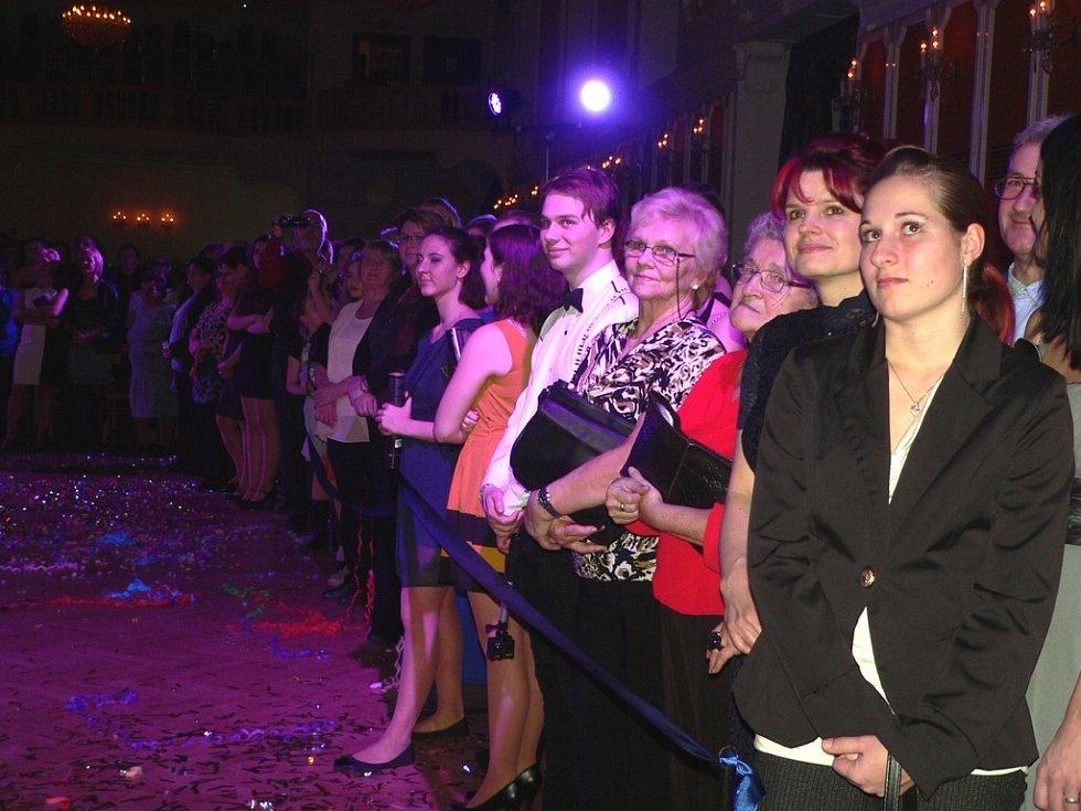 Maturitní ples třídy 6S českokrumlovského gymnázia.