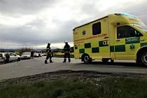 U Třebonína se střetlo osobní auto s motocyklistou.