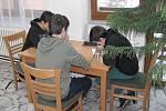 Osmého ročníku soutěže YPEF (Mladí lidé v evropských lesích), se účastnily tři týmy ze ZŠ Horní Planá a jeden tým ze ZŠ Frymburk. Foto: VLS, divize Horní Planá
