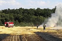 Požár hasilo pět jednotek