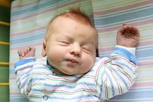 Naprosto stejný datum narození jako jeho bratranec Jiří bude mít ve svém rodném listě Marek Šandera. Chlapeček měřící 51 centimetrů a vážící 3 680 gramů se narodil ve středu 5. prosince 2018 tři minuty po poledni Lucii Pončákové a Janu Šanderovi z Chlumu