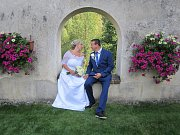 Svatby se konaly i ve Zlaté Koruně. Manželství tam například v klášteře v 15 hodin uzavřeli zlatokorunští Vítězslava Kelemenová a Václav Šustr.