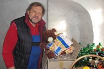 Jan Míša Černý chystá Medvědí Vánoce 2013.
