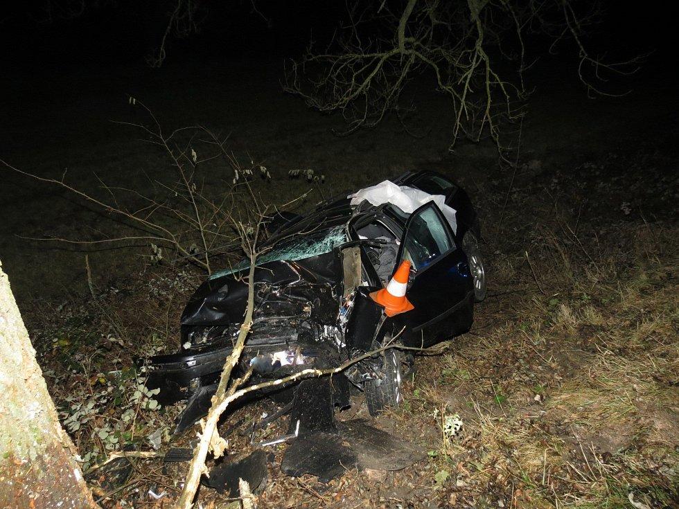 Tragická dopravní nehoda se stala nedaleko obce Brloh na Českokrumlovsku v pátek 22. listopadu 2019 večer. Nehodou se zabývají českokrumlovští dopravní policisté.