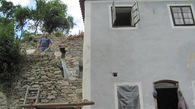 Jižní terasy a domek Egona Schiele.