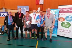 V Mostě se konalo veteránské mistrovství republiky v badmintonu. Krumlovský Ivo černý si odvezl dvě stříbrné medaile