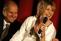 Herečka Eliška Balzerová se v březnu zúčastnila v českobudějovickém Cinestaru jihočeské premiéry filmu Ženy v pokušení, ve kterém hraje. Snímek je natolik úspěšný, že i v Českém Krumlově byl v pondělí vyprodaný.
