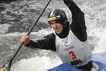 Při prvním závodě mezi dospělými vybojoval českokrumlovský singlkanoista Antonín Haleš cenné třetí místo.