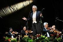Zahajovací koncert se stal i oslavou třicátin Mezinárodního hudebního festivalu Český Krumlov.