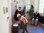 Výstava Sůl nad zlato bude v krumlovských klášterech k vidění do konce dubna.