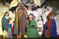 Tři králové přivezli dary Marii a Josefovi a především jejich jezulátku.
