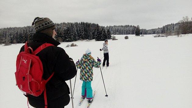 OBRAZEM: Běžkaři si bohatou sněhovou nadílku užívají i na Hojné Vodě