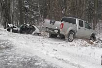 Při středeční nehodě u Kaplice Nádraží byl vážně zraněn řidič jednoho z vozidel.