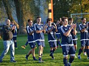 Okresní přebor muži - 6. kolo: FK Dolní Dvořiště (modré dresy) - TJ Smrčina Horní Planá 2:1 (2:1).