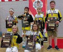 Mladí závodníci Panthers Český Krumlov vybojovali při Lázeňském poháru v Karlových Varech desítku medailových umístění, včetně čtyř zlatých.
