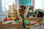 Zástupci Zubčic předali zdravotníkům krumlovské nemocnice dary jako poděkování za jejich obětavost.