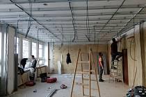 Zasedací místnost v budově městského úřadu v Kaplické se rekonstruuje.