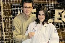 Po juniorském šampionátu se mohli trenér Libor Štěpánek i Markéta Havlíčková usmívat, do Kaplice totiž z Jičína vezli nečekané, ale o to cennější republikové stříbro.