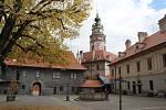 Český Krumlov a zámek už zase zejí neobvyklou prázdnotou.