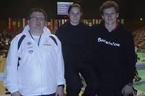 Na dalekou cestu do Francie se vydali Pavel Florián s Lucií Černou i s trenérem Radkem Votavou (vlevo).