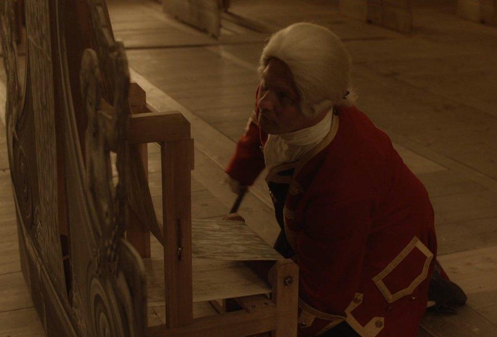 Několik scén 3. dílu seriálu Marie Terezie se natáčelo v Barokním divadle a Zrcadlovém sále českokrumlovského zámku.