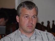 Ředitel Národního cirkusu originál Berousek Jiří Berousek junior odpovídá na dotazy čtenářů.