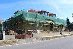 Stavba a rekonstrukce domu s pečovatelskou službou v Krumlovské ulici ve Velešíně.