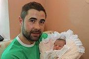 Prvorozená Anetka Husárová spatřila světlo světa 3. července 2015 ve 14 hodin a 34 minut, měřila 49 centimetrů a vážila 2890 gramů. Srodiči Miroslavou a Imrichem Husárovými, kteří byli u porodu společně, bydlí vDolním Třeboníně.