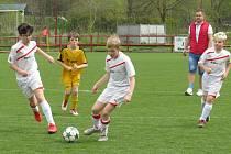 OP starší přípravky – předehrávka 17. kola: FK Spartak Kaplice (bílé dresy) – FK Dynamo Vyšší Brod 10:1 (5:1).