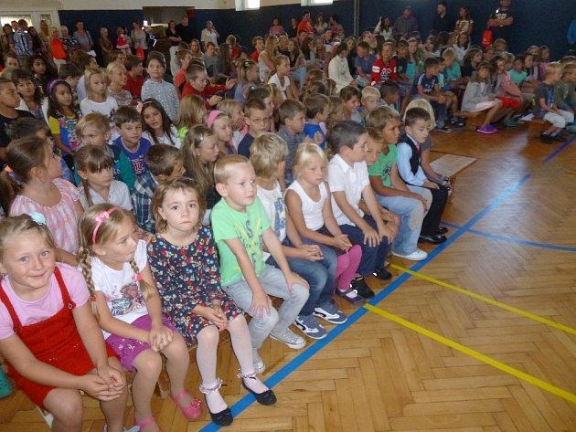První školní den v Malontech.