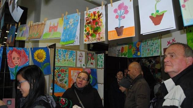 Výstava soutěžních prací v dětském oddělení Městské knihovny Český Krumlov.