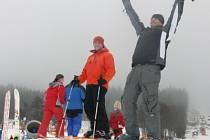 Zatím je mnoha lyžařům i provozovatelům areálů do zpěvu. O tom, zdali je všechny čeká jen další nejistá sezona, nebo její pravý opak, rozhodne příroda.