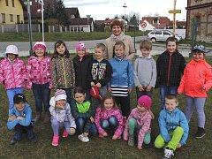 Prvňáci z holubovské základní školy.