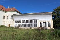 Nově vybudovaná oranžérie vyšebrodského kláštera.