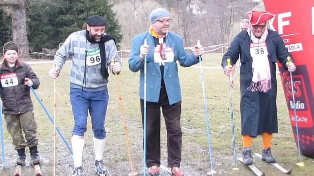Zdatně uháněli a bojovali na trase Chlumského biatlonu také muži seniorské kategorie.