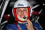 Téměř všechno volno Pavla Kacerovského spolkne boj o sekundy na tratích automobilových soutěží.
