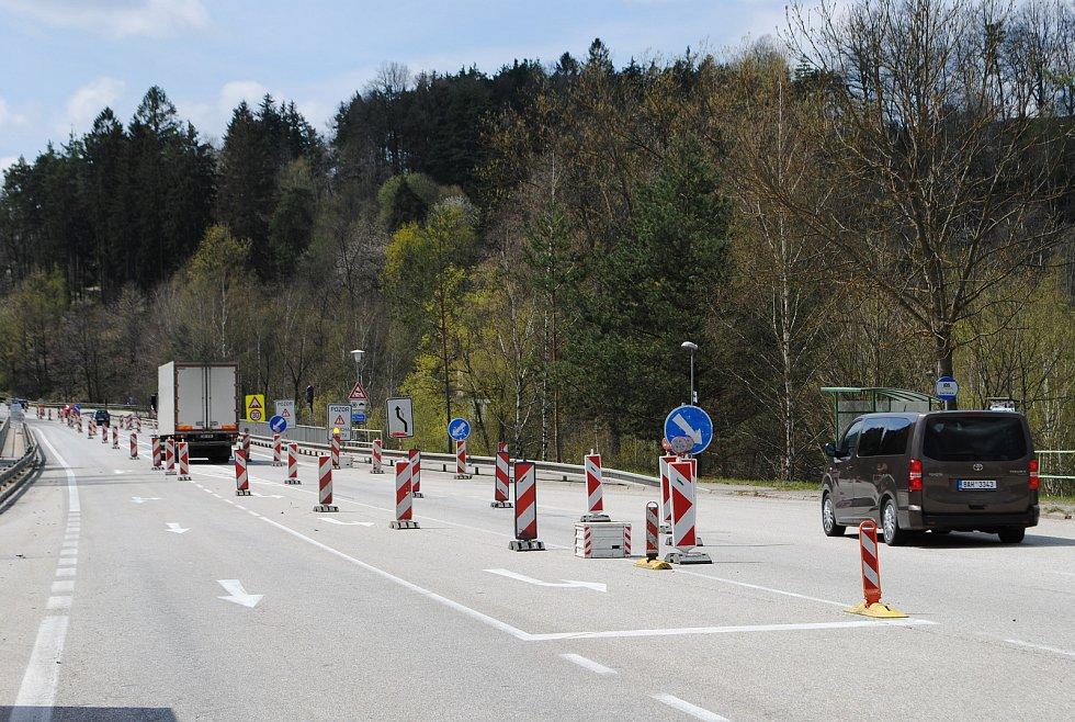 Most v Rájově na I/39 před Českým Krumlovem budou silničáři opravovat do 7. května.