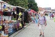 Letnímu festivalu regionu Pomalší patří v sobotu velešínské náměstí. Odpoledne tam vypukne koncert řady kapel, který potrvá možná až do rána.