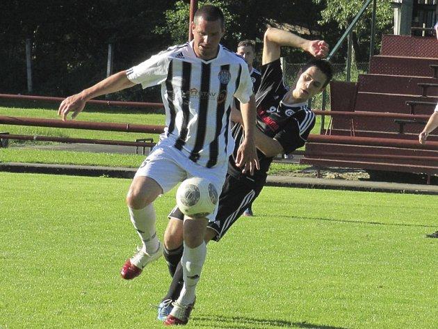 U zrodu druhé gólové akce domácího Spartaku stál střídající Pavel Pulec (u míče před autorem úvodní trefy zápasu Jakubem Brouskem), ale těsný náskok Kapličtí do konce neudrželi.